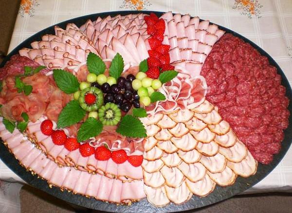 Рецепт вкусного мясного салата на день рождения с и рецептами